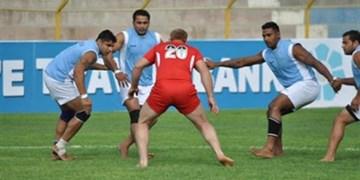 اقدام مربی تیم سرکل کبدی و کبدی کاران برای مقابله با کرونا/ توزیع ماسک در بین مردم مشهد