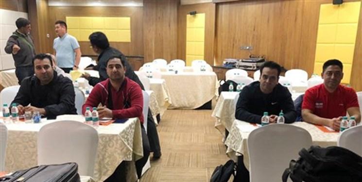 کشتی قهرمانی آسیا| کلینیک داوری مسابقات برگزار شد