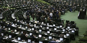 مجلس برای تحقق «جهش تولید» بر اجرای قوانین نظارت کند
