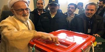 نماینده ولی فقیه در استان مرکزی رای خود را به صندوق انداخت