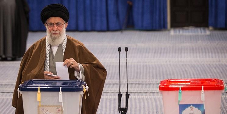 رهبر معظم انقلاب: روز انتخابات روز احقاق حق مدنی ملت است/ مردم در هر شهری به تعداد نامزدهای آن شهر و در تهران به 30 نفر رای بدهند