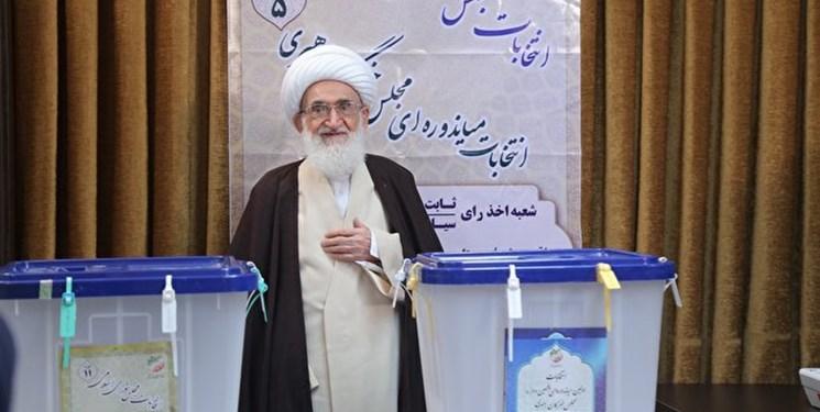 مردم ایران با حضور پای صندوقهای رأی کشور را حراست و تقویت کنند