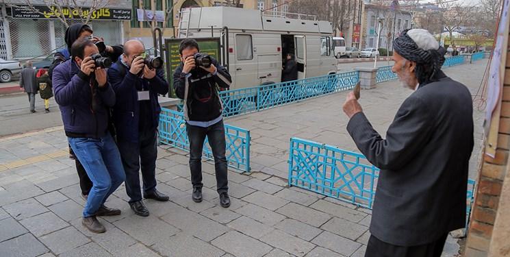 پوشش انتخابات توسط عکاسان خبری و تصویربرداران