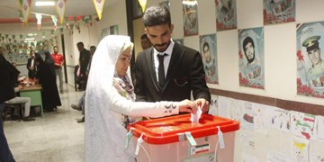 جشن ازدواج زوج بهابادی با جشن انتخابات آغاز شد