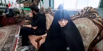 فیلم| مادر چهار شهید دفاع مقدس در انتخابات شرکت کرد