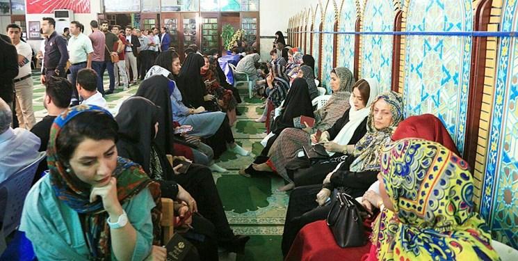 عکس  ازدحام جمعیت پس از تمدید رأیگیری در حوزههای بندرعباس