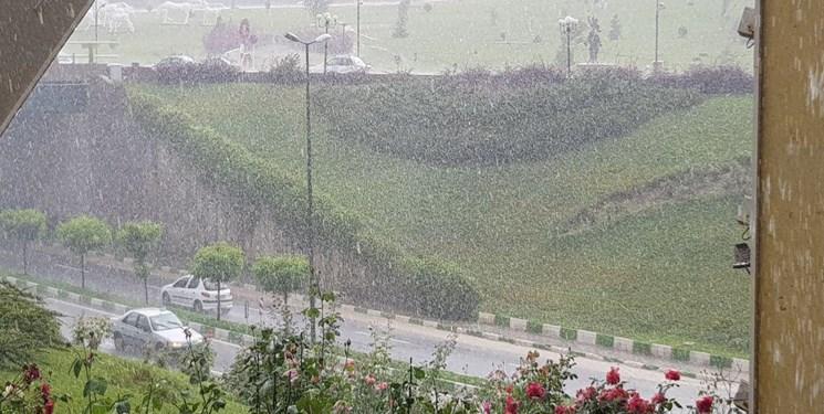 در حال بروزرسانی| بارش برف و باران در جادههای 15 استان کشور/ ترافیک در لواسان و کرج-قزوین