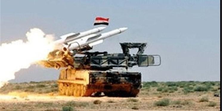 مقابله پدافند هوایی سوریه با تجاوز رژیم صهیونیستی به استان «حماه»