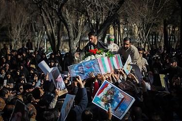 مراسم تشییع شهید مدافع حرم «بابالخانی»