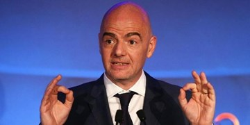 اینفانتینو: فیفا در تعویق مسابقات افراد ذی نفع را درنظر گرفت/باید با اتحاد از این بحران عبور کنیم