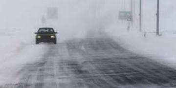 جادههای استان اردبیل برفی و بارانی است