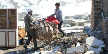 تلاش مردم و نیروهای جهادی برای بازسازی مناطق زلزله زده خوی