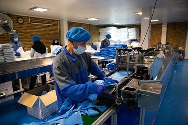 کارگاه تولید ماسک بهداشتی در «رباط کریم»