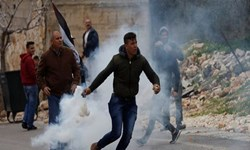 دهها فلسطینی در حمله نظامیان صهیونیستی در کرانه باختری زخمی شدند