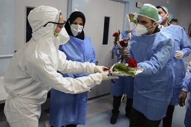 حضور فرمانده سپاه عاشورا در بخش کرونای بیمارستان تبریز
