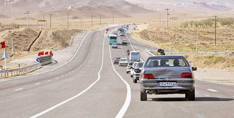 کاهش ۶ درصدی تردد خودرو در محورهای همدان