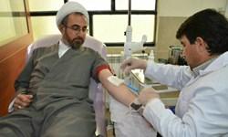 کمبود ذخایر خونی ایلام در بحران کرونا/ نماینده ولی فقیه درایلام خون اهدا کرد