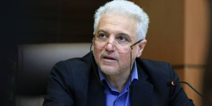 گرانفروشی ماسک به داروخانهها/ وزارت صمت تامین مواد اولیه را پیگیری کند