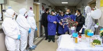 فیلم| لحظه تحویل سال در کنار بیماران کرونایی