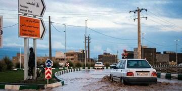 فیلم | آبگرفتگی معابر شهرهای شمالی کرمان