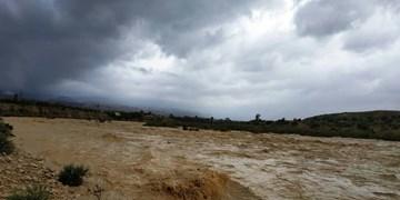 سیل و تندباد به بخشهایی از شهرستان مشگین شهر خسارت وارد کرد