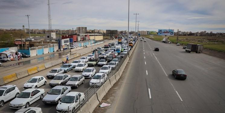 ترافیک سنگین در محورهای تهران-شمال/کندوان از ساعت 12 امروز یکطرفه میشود