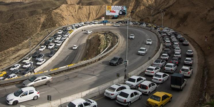 ترافیک در جادهها کماکان در حال افزایش است/ رشد تردد در جادههای ورودی به تهران