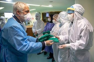 کادر درمانی بخش ویژه کرونا بیمارستان میلاد