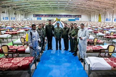 جمعی از پرسنل ارتش در نقاهتگاه ۲۰۰۰ تختخوابی ارتش