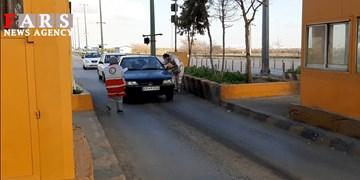 فیلم| ورودی و خروجیهای شهر قزوین در نخستین روز اجرای طرح فاصلهگذاری اجتماعی