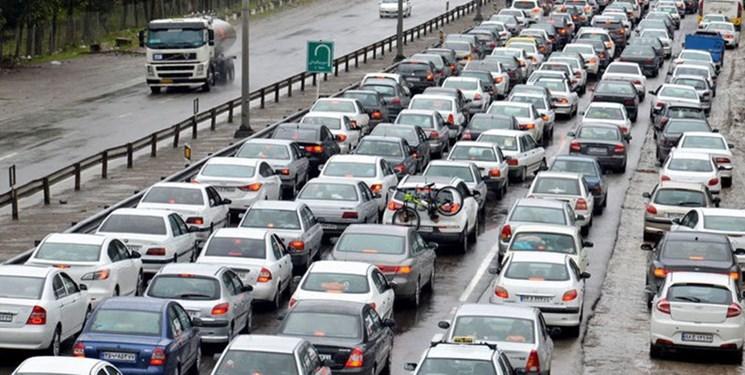 فارسمن| قدمی: طرح فاصلهگذاری اجتماعی با ترافیک همراه است/ باید ترافیک را تحمل کرد