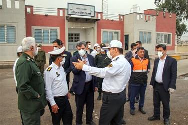 بازدید جمعی از مسئولان خوزستان از محورهای خروجی اهواز و برخورد با واحدهای صنفی متخلف