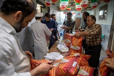 در میانه کار با پیگیری های دانش آموزان و حمایت بانیان خیر 1000 کیلو برنج به بسته حمایتی اضافه شد
