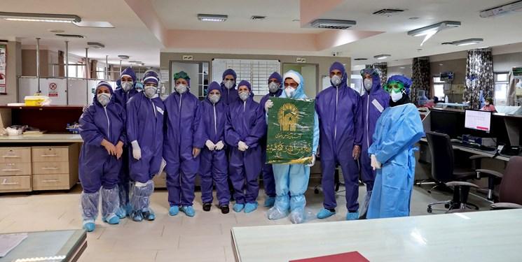 توزیع غذای آستان قدس رضوی در میان بیماران کرونایی زنجان