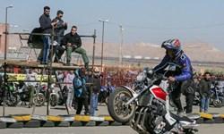 فیلم| بیخیال کرونا/ تجمع هزار نفری در غفلت مسؤولان بوشهری!