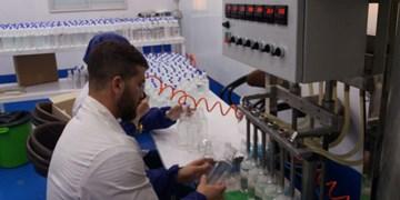 جوانان میداندار مبارزه با کرونا/ تولید محلول ضدعفونی کارآمد بدون الکل