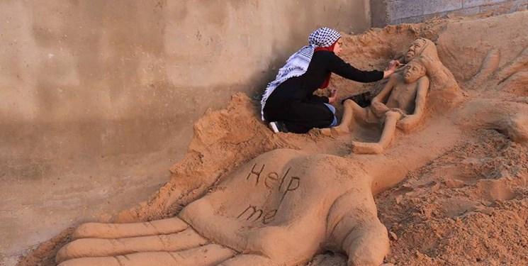 این دختر فلسطینی با مجسمههای شنی  حرف میزند + تصاویر