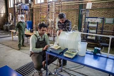 مهندسان درحال آزمایش برای دستیابی ارزان ترین راه تولید الکل هستند.
