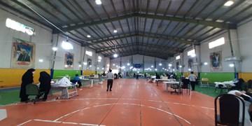 فیلم | توزیع بستههای بهداشتی و غذایی توسط سپاه