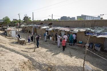 نمایی از محل سکونت مردم کوره های آجرپزی در منطقه دولتخواه
