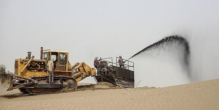 مالچپاشی در خوزستان ادامه دارد