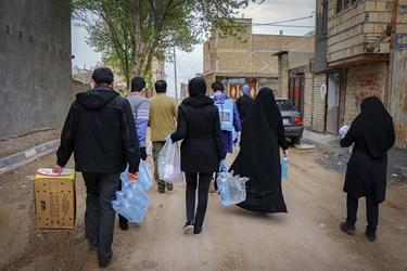 حضور گروه جهادی شهدای مدافع حرم در طرح مبارزه با کرونا در روستای میامی /مشهد