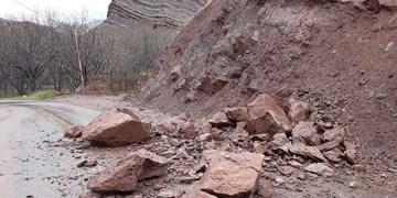 رفع انسداد در راههای ارتباطی ساری - گرگان/ احتمال وقوع سیل در محورهای کوهستانی مازندران