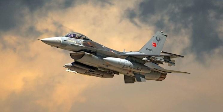 یونان ارتش ترکیه را به نقض حریم هوایی خود متهم کرد