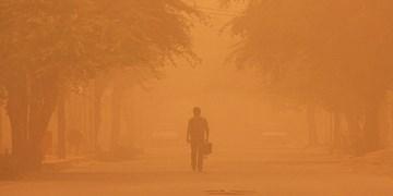 گرد وغبار شدید در ریگان/راه ارتباطی 23 روستا مسدود شد