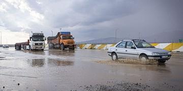 هشدار آبگرفتگی معابر و صاعقه و تگرگ در ارتفاعات برخی استان ها/ گردوخاک در شرق ادامه دارد
