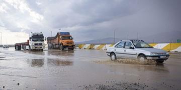 باران بهاری و باد شدید در اغلب شهرها ادامه دارد/هشدار بالا آمدن ناگهانی آب رودخانهها