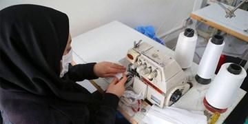 تولید روزانه ١٠٠٠ ماسک در کارگاه جهادی کامفیروز