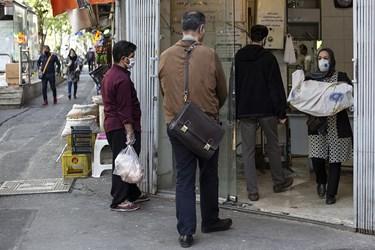 نانوایی  واقع در خیابان کارگرشمالی