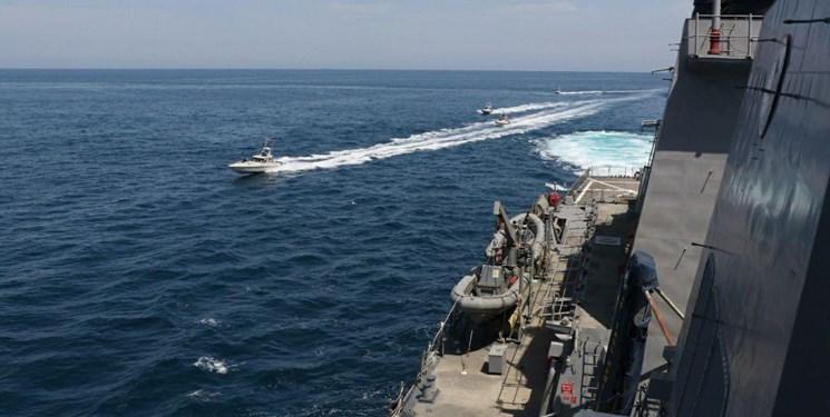 جزئیات رویارویی نیروی دریایی سپاه با ناوگان آمریکا در خلیج فارس/ روایت آمریکاییها جعلی و هالیوودی است